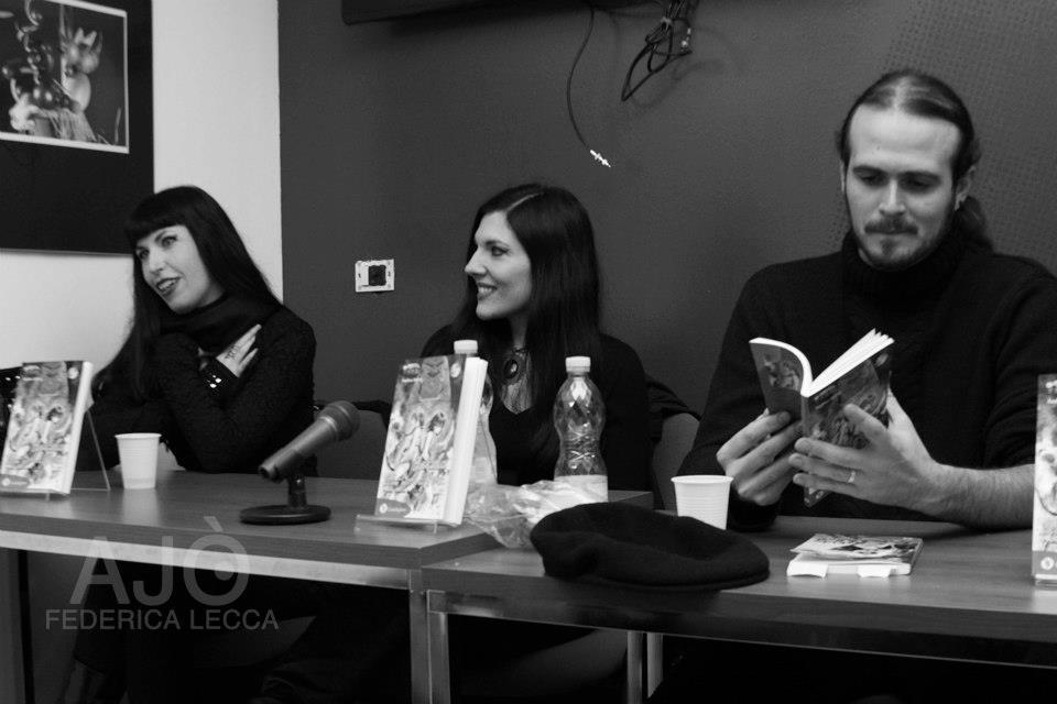 L'autore della serie, Andrea Atzori, con le illustratrici Daniela Serri e Daniela Orrù, AKA Dany&Dany